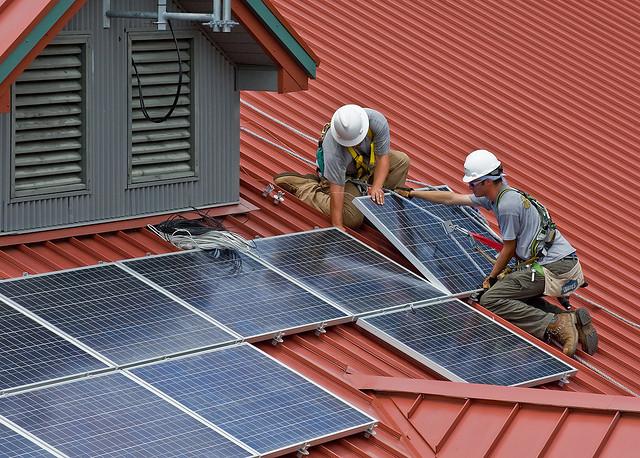 Nach wie vor beliebt: Solarpanels auf dem Dach.