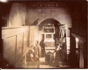 abb-3-das-innere-der-eisdorfer-kirche-auf-einer-fotokarte-von-1902-bild-leske-2012-s-17