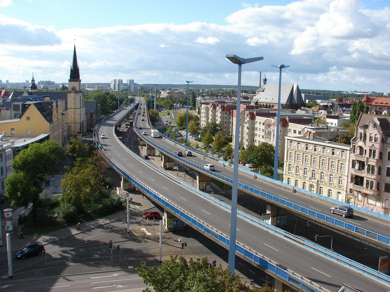 Ein wirtschaftliches wie kulturelles Zentrum, aber Halle (Saale) ist kein industrieller Schwerpunkt im Land.