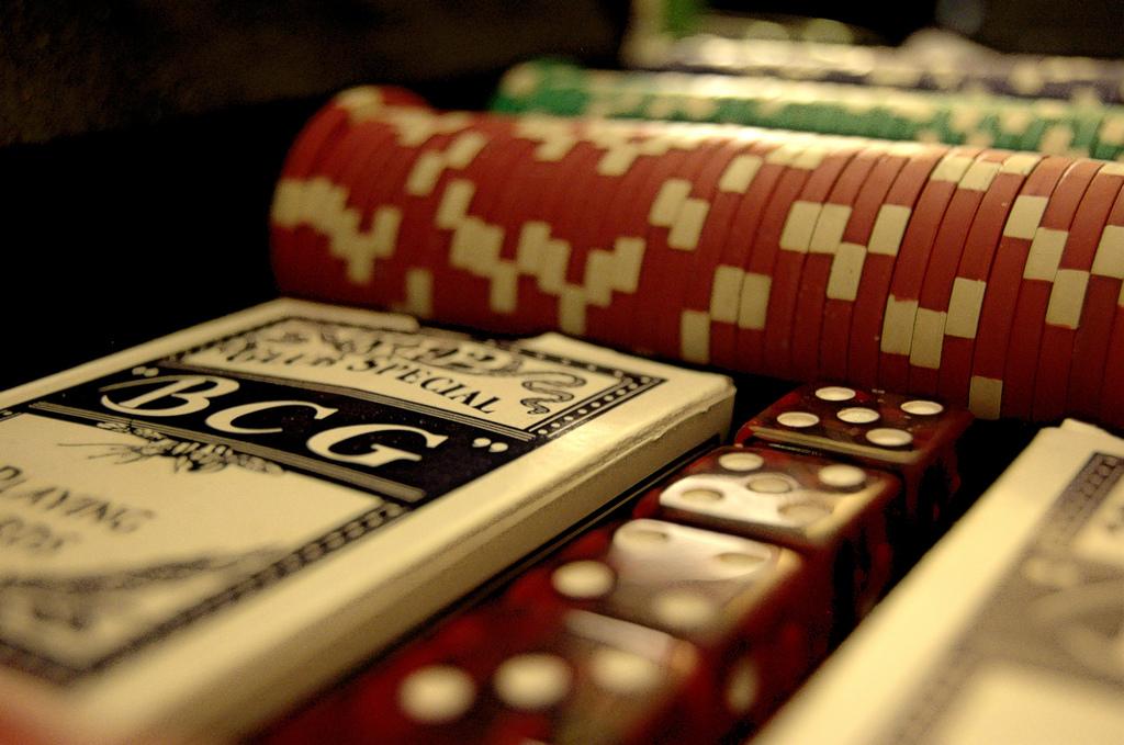 Glücksspiel wie Poker oder andere Formen laufen trotz weniger Häuser nicht Gefahr auszusterben.