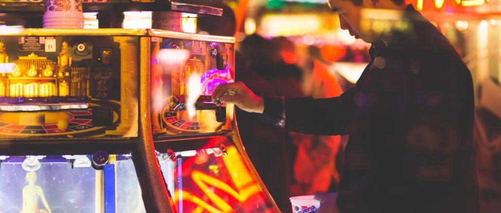 spielsucht-hilfe-man-münzen-automat-sucht