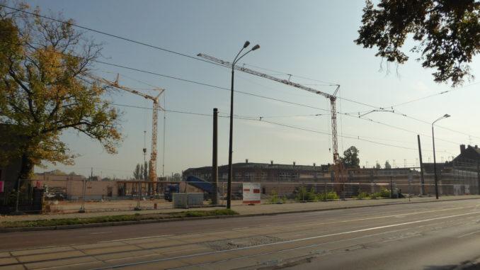 Baustelle mit Kränen an der Merseburger Straße