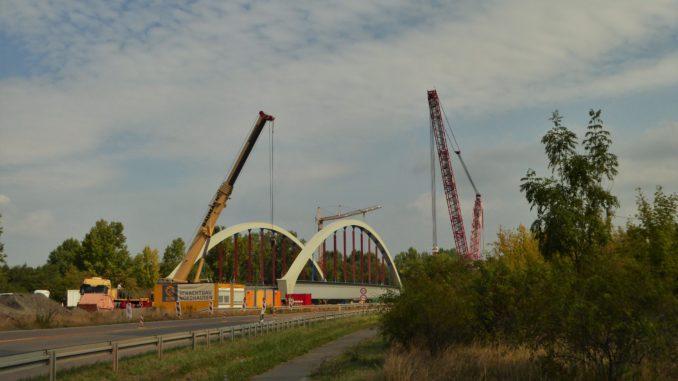 Baustelle, Neubau einer Brücke über die Saale